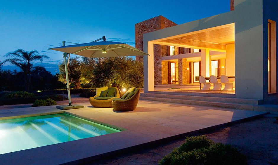 Selva_Interior_Outdoor_Arredamenti_piscina_ombrellone_Glatz_01-940x560