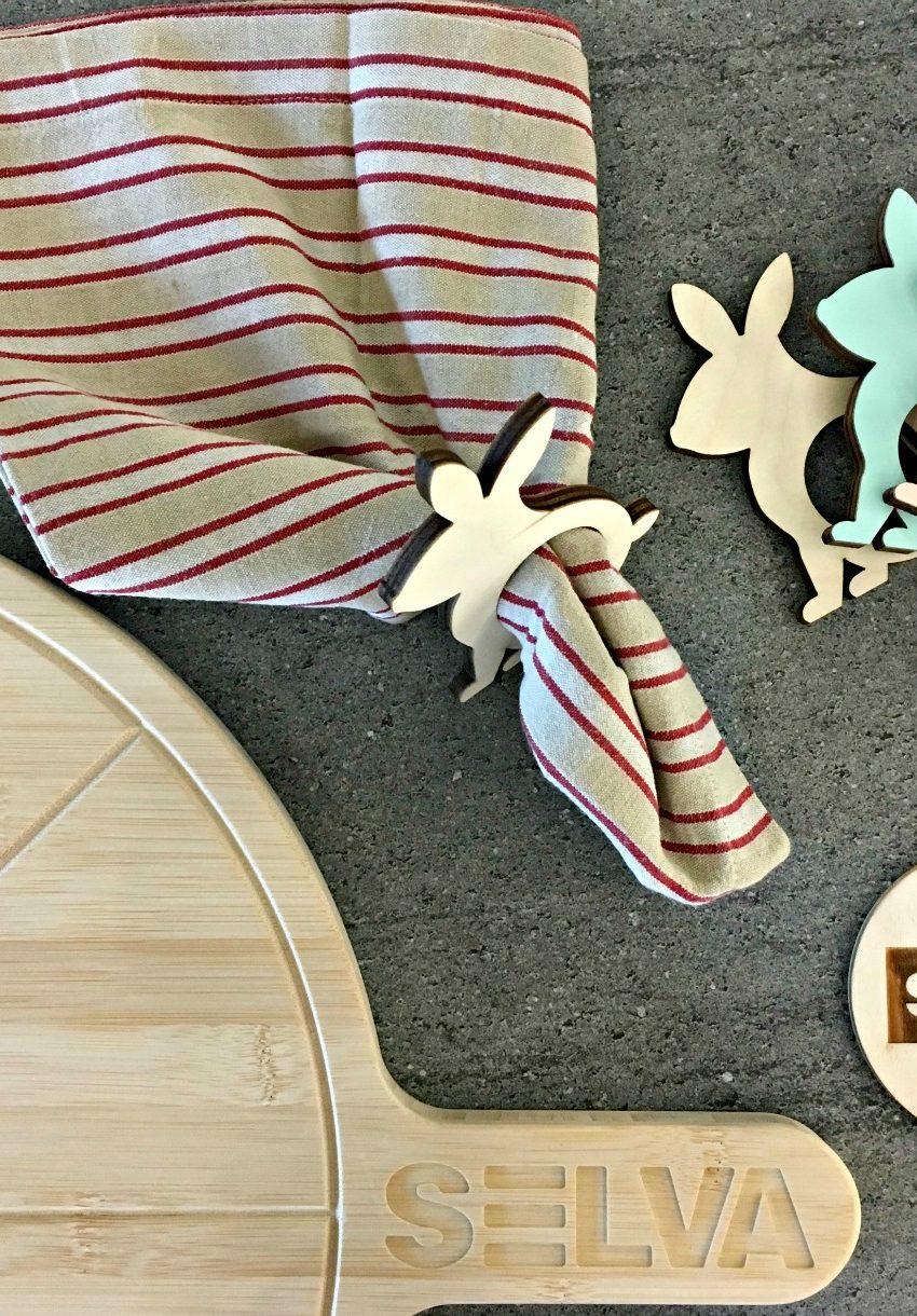 portatovaglioli in legno conigli pasqua
