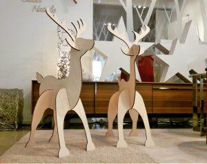 Natale: cosa regalare renne in legno