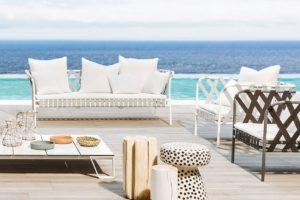 come pulire i mobili da giardino - manutenzione mobili da esterno