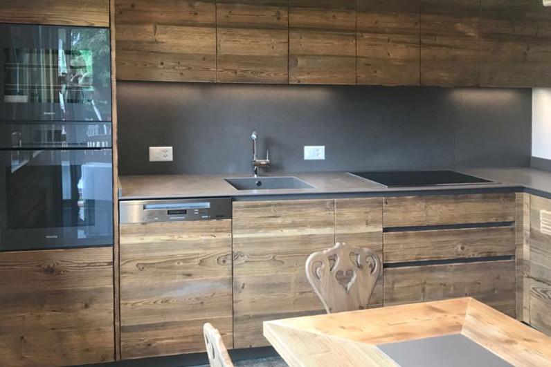 cucina moderna in legno massello