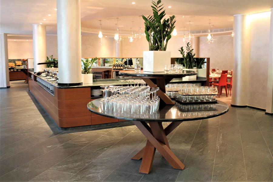 mobili su misura per hotel buffet