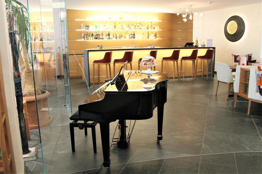 mobili su misura per hotel parco san marco bar e lounge