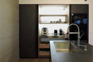 cucina nera valcucine armadio attrezzato
